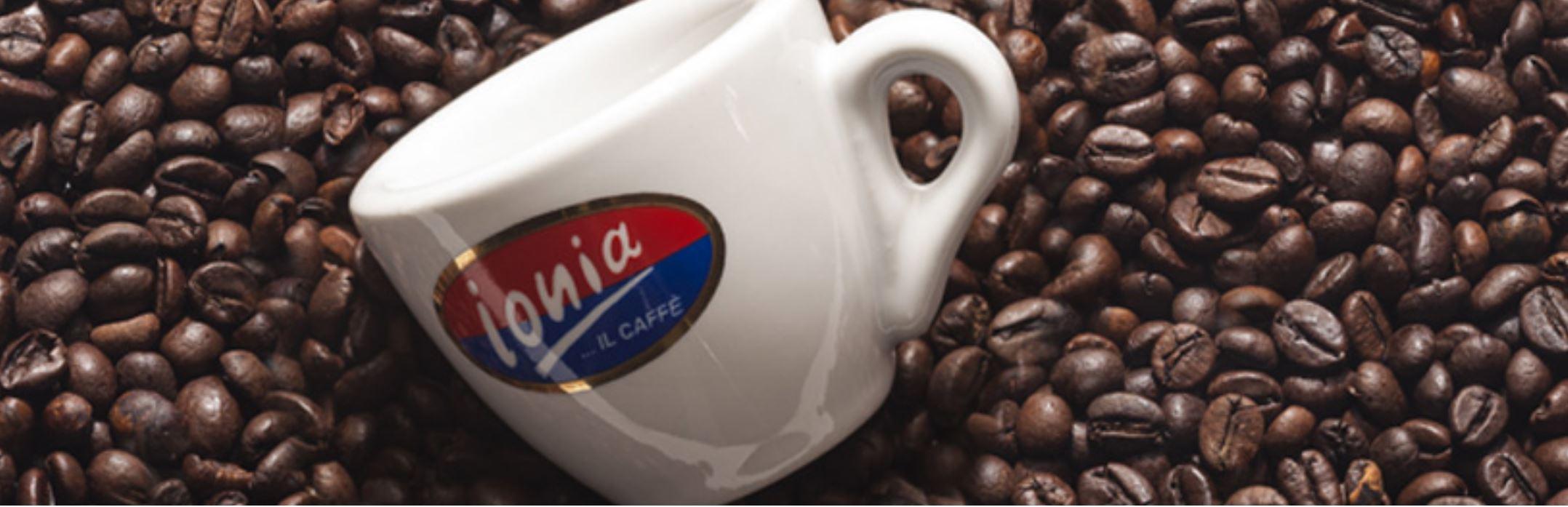 Ionia-Espressotasse-in-KaffeebohnensWWO6GanRl3ce